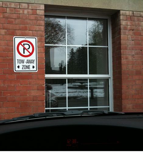 place de parking préférée, devant mon bureau...