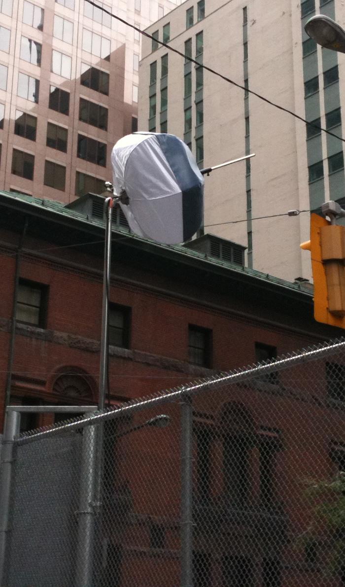 étranges antennes à chaque intersection