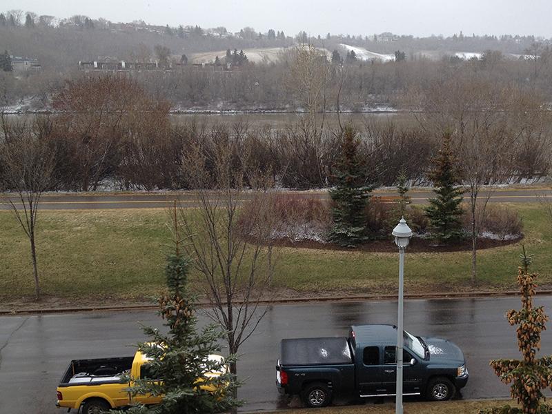 4 mai 2014: il recommence à neiger!